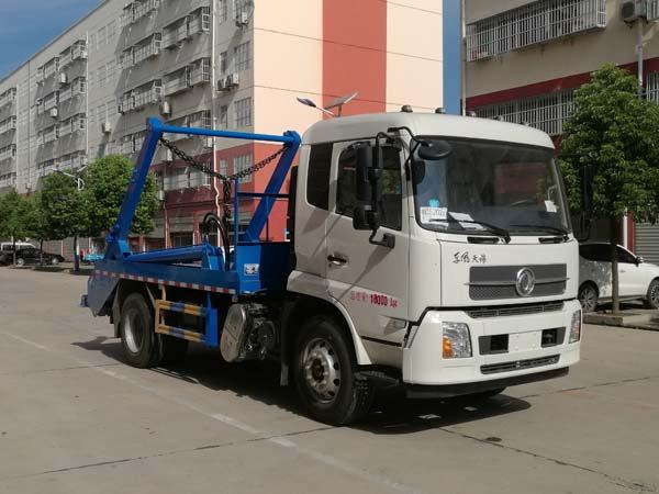 乐投国际米兰俱乐部东风天锦摆臂式垃圾车