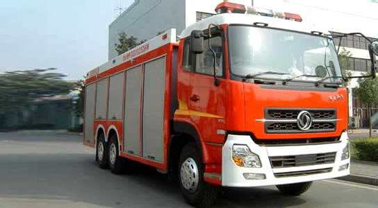 东风天龙水罐15吨消防车